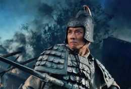 曾飾演趙子龍爆紅,娶了陳佩斯的妹妹,愛妻生病後不棄不離!