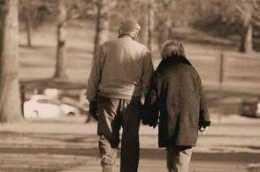 2.15億70後的扎心現狀:父母在身邊,兩代人苦,不在身邊,老人苦