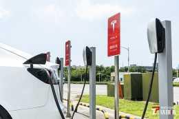 特斯拉市值首破萬億,新能源汽車的火還能燒多久?|鈦度熱評