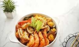想一飽海鮮大餐,吃這一鍋就夠,鮮辣可口,老公說這味道太過癮了