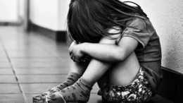 女童從9歲起就被父親侵犯, 知情的母親畏懼丈夫淫威選擇隱瞞