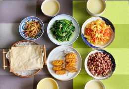 家常晚餐就這麼吃,四個人四道菜,清淡爽口好吃不擔心長肉