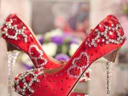 心理測試:假如你結婚,會穿哪雙婚鞋?測你將來哪方面最風光