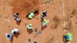 小鎮挖出200具屍體如今又挖出35具,多是婦女兒童都被殘忍殺害