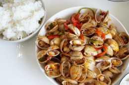 白蛤怎樣清洗沒沙粒?看完就明白了,這樣做香辣開胃不擔心長胖!