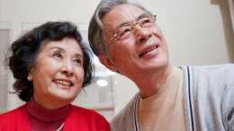 有錢就能晚年幸福嗎? 72歲老人: 我有百萬存款卻活得連乞丐都不如